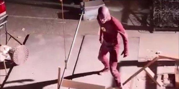 Supergirl et The Flash font de la peine sans leurs effets spéciaux