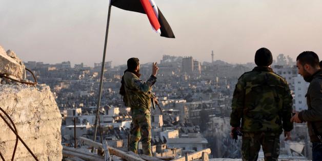 Des soldats syriens à Alep, Syrie, novembre 2016.