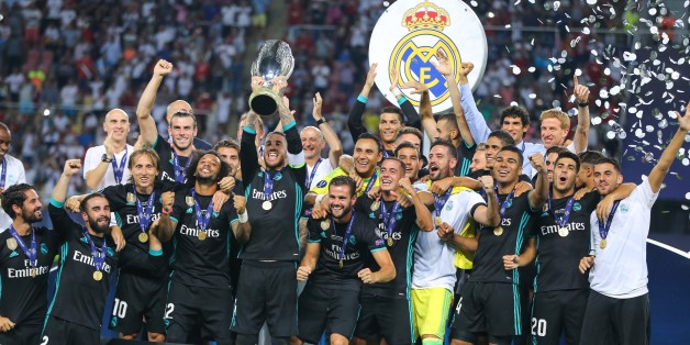 SKOPJE, MACEDONIA - AUGUST 08 : Football Players of Real Madrid raise the trophy after their victory at the end of the UEFA Super Cup final between Real Madrid and Manchester United at the Philip II Arena on August 8, 2017 in Skopje, Macedonia. (Photo by Salih Zeki Fazlioglu/Anadolu Agency/Getty Images)