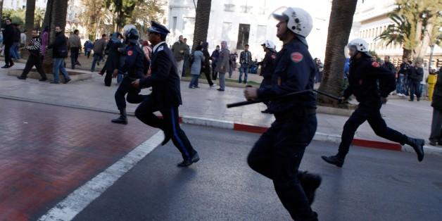 Des policiers marocains lors d'une manifestation à Rabat, en 2012.
