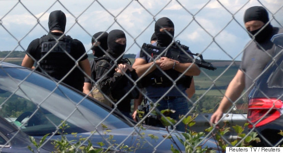 france car soldiers 9 august 2017