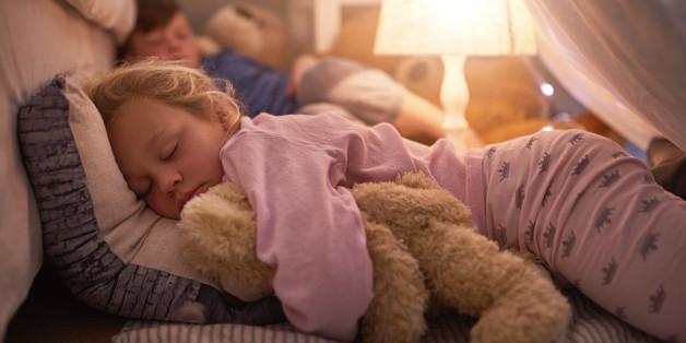 Ausreichend Schlaf ist für Kinder besonders wichtig.