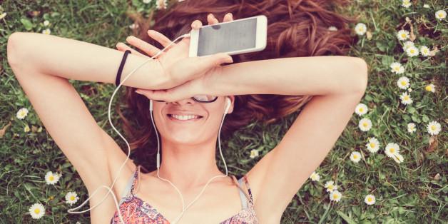 Kaum jemand kennt ihn: Mit diesem einfachen Trick wird die Musik an eurem iPhone lauter