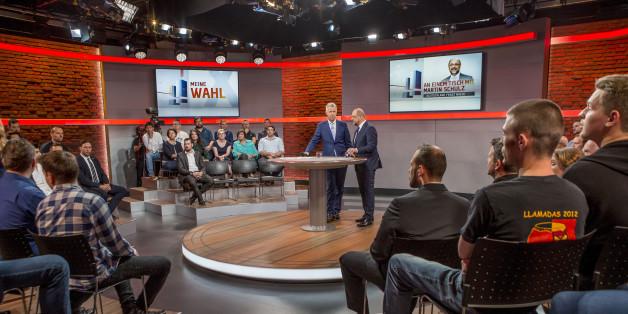 RTL-Wahlkampfarena: Als ein 18-jähriger Afghane das Wort ergreift, muss Schulz plötzlich improvisieren