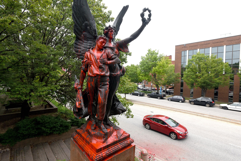 baltimore statues