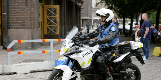 Finnish police patrols on motorbike after stabbings in Turku, in Central Helsinki, Finland August 18, 2017. LEHTIKUVA/Linda Manner via REUTERS     ATTENTION EDITORS - THIS IMAGE WAS PROVIDED BY A THIRD PARTY. NOT FOR SALE FOR MARKETING OR ADVERTISING CAMPAIGNS. NO THIRD PARTY SALES. NOT FOR USE BY REUTERS THIRD PARTY DISTRIBUTORS. FINLAND OUT. NO COMMERCIAL OR EDITORIAL SALES IN FINLAND.