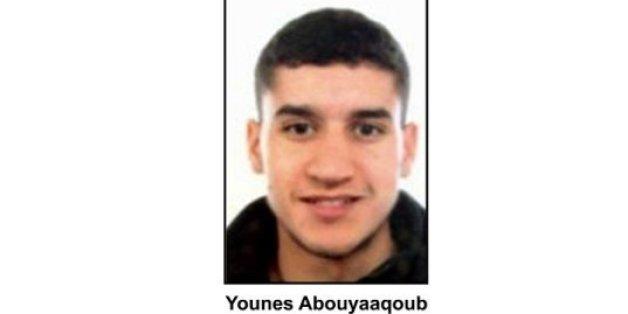 L'identité et la photo de Younès Abouyaaqoub, Marocain de 22 ans suspecté et en fuite, ont été diffusées.