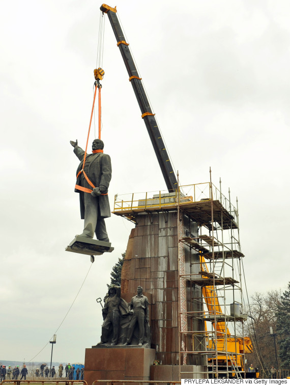 lenin monument dismantle ukraine