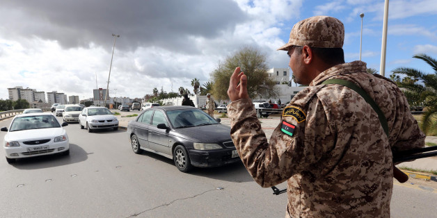 Un soldat libyen dans un checkpoint à Tripoli - Photo d'archive