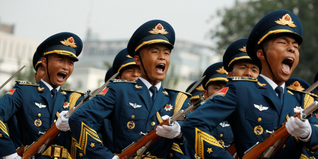 Marching honour guards shout as Chairman of U.S. Joint Chiefs of Staff Joseph Dunford is welcomed by his Chinese counterpart, chief of the general staff of the Chinese People's Liberation Army Gen. Fang Fenghui, during a welcoming ceremony in Beijing, China August 15, 2017. REUTERS/Thomas Peter