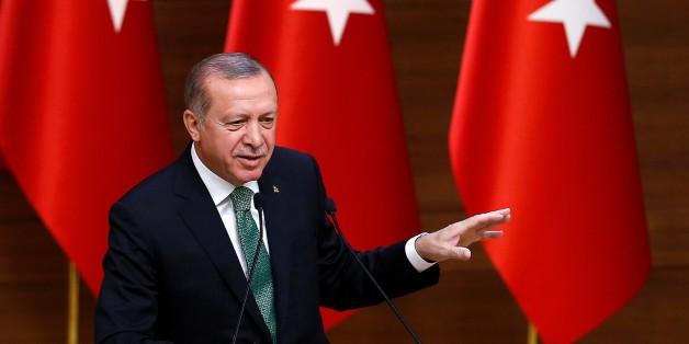 ANKARA, TURKEY - AUGUST 22: President of Turkey Recep Tayyip Erdogan speaks during the 39th Mukhtars Meeting, at Presidential Complex in Ankara, Turkey on August 22, 2017. (Photo by Mehmet Ali Ozcan/Anadolu Agency/Getty Images)