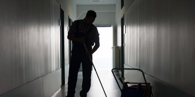 """""""Die miese Drecksau, ich krieg' dich"""": Hausmeister rechnet in Aushang mit einem Unbekannten ab (Symbolbild)"""