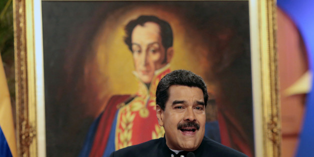 Venezuela's President Nicolas Maduro talks to the media during a news conference at Miraflores Palace in Caracas, Venezuela August 22, 2017. REUTERS/Marco Bello