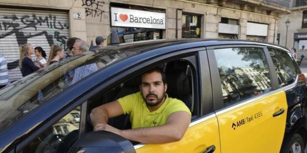 Ce qu'a fait ce chauffeur de taxi marocain pendant l'attentat de Barcelone a ému les internautes
