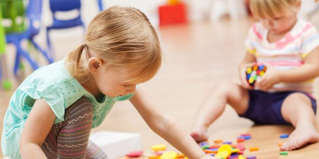 Wie viele Kinder von einem Betreuer beaufsichtigt werden, variiert regional stark in Deutschland.