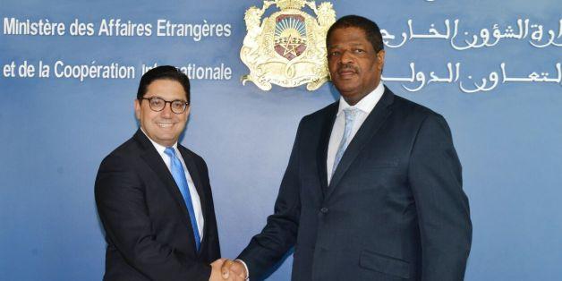 Nasser Bourita, ministre des Affaires étrangères et de la Coopération internationale et le président de la Commission de la CEDEAO, Marcel Alain de Suza