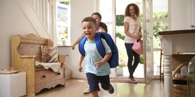 Auch wenn die Situation nach einer Trennung schwierig sein kann, ist das geteilte Sorgerecht für die Kinder weniger stressig.