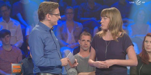 Peinlicher Fehler bei Wahl-Show: Claus Strunz präsentiert Linken-Mitglied als normale Wählerin