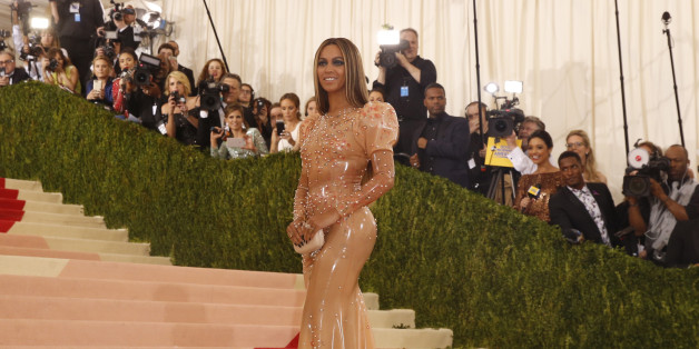 "Singer-Songwriter Beyonce Knowles arrives at the Metropolitan Museum of Art Costume Institute Gala (Met Gala) to celebrate the opening of ""Manus x Machina: Fashion in an Age of Technology"" in the Manhattan borough of New York, May 2, 2016.  REUTERS/Lucas Jackson"