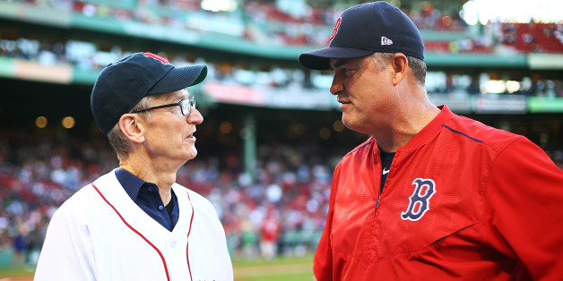 BOSTON, MA - JUNE 09:  CEO of Apple Tim Cook talks to Boston Red Sox Manager John Farrell before a game between the Boston Red Sox and the Detroit Tigers at Fenway Park on June 9, 2017 in Boston, Massachusetts.  (Photo by Adam Glanzman/Getty Images)
