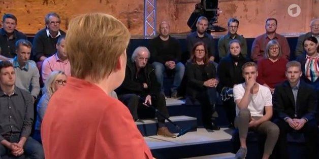 Ein 18-Jähriger fragt Merkel im ARD nach der Flüchtlingsobergrenze – die riskiert eine offene Konfrontation mit der CSU