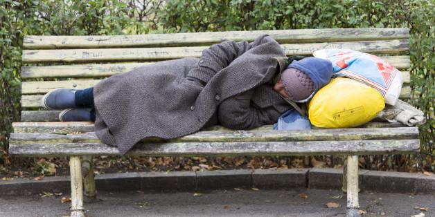 Ein Dortmunder Obdachloser leidet tagelang unter Schmerzen - doch keiner will ihm helfen (Symbolbild)