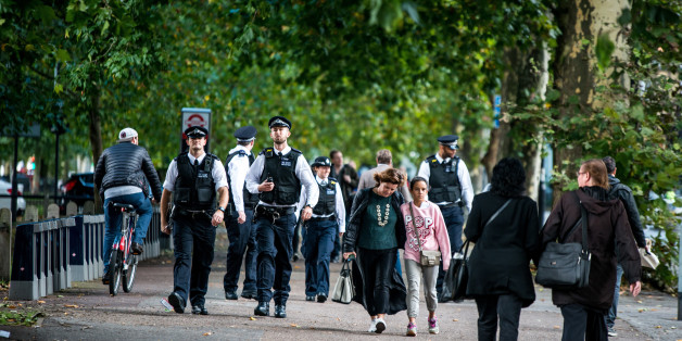 PARSONS GREEN, LONDON, UNITED KINGDOM - 2017/09/15: Police officers near to Parsons Green. Several people have been injured after an explosion on a tube train in south-west London. The Police are treating the incident as terrorism. (Photo by Brais G Rouco/SOPA Images/LightRocket via Getty Images)