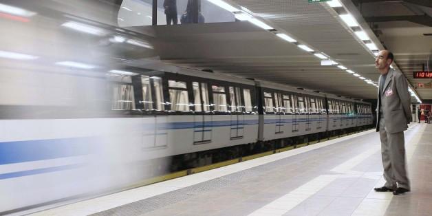 Metro d'Alger, 2011. REUTERS/Ramzi Boudina (ALGERIA - Tags: TRANSPORT BUSINESS)