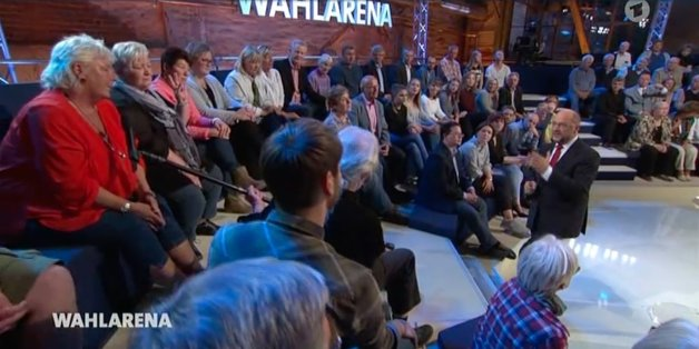 """""""Wir sind ihnen doch egal"""": Frau macht Schulz in der ARD schwere Vorwürfe - zwei Minuten später applaudiert sie ihm"""