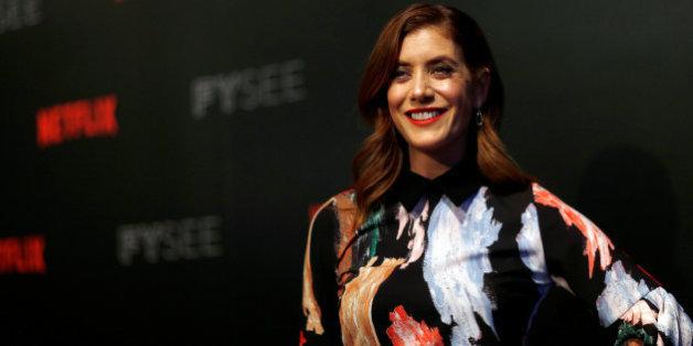 """Kate Walsh, l'actrice de """"Grey's Anatomy"""" révèle qu'elle a eu une tumeur au cerveau"""