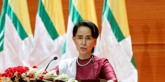 Fuite des Rohingyas de Birmanie: Aung San Suu Kyi sort enfin de son silence