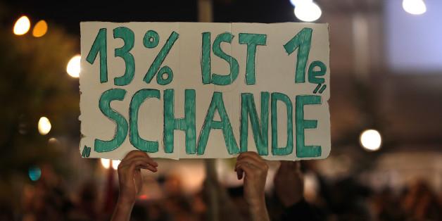 Die AfD zieht mit einem zweistelligen Ergebnis in den Bundestag ein - und profitiert von der Wahlbeteiligung