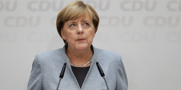 Kanzlerin und CDU-Chefin Angela Merkel übernimmt die Verantwortung für den Zwiespalt im Land - will aber die Fehler ihrer Partei nicht sehen