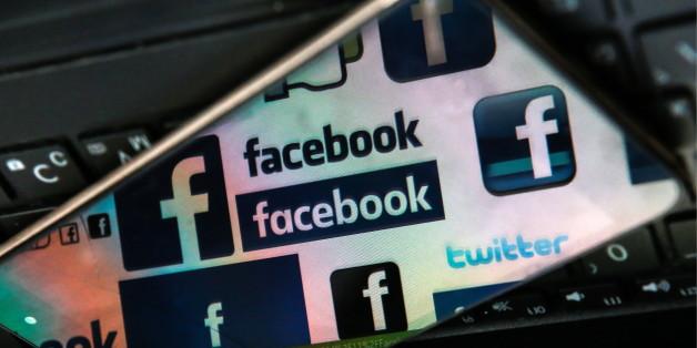 ST PETERSBURG, RUSSIA - NOVEMBER 16, 2016: Facebook logos reflected in a smartphone screen on a computer keyboard. Sergei Konkov/TASS (Photo by Sergei Konkov\TASS via Getty Images)