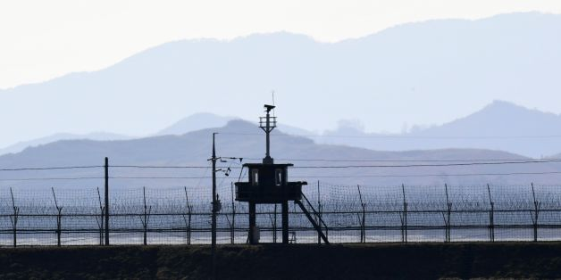 This picture taken on February 12, 2017 shows a South Korean guard post along military barbed wire fence in the border city of Paju near the Demilitarized Zone (DMZ) dividing the two Koreas. / AFP / JUNG Yeon-Je        (Photo credit should read JUNG YEON-JE/AFP/Getty Images)