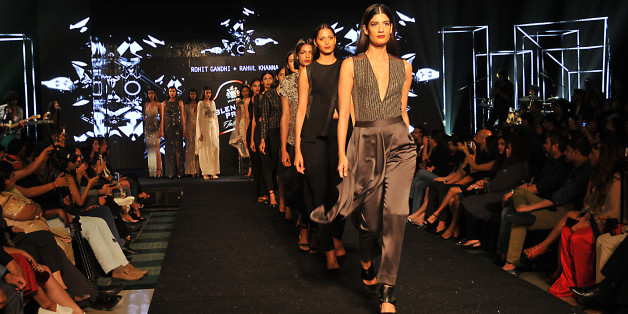 Indian Models Walk the ramp to the display creation of Fashion Designers Rohit Gandhi and Rahul Khanna at the Blenders Pride Fashion Tour 2016 on November 26,2016 in Eastern India city Kolkata.  (Photo by Debajyoti Chakraborty/NurPhoto via Getty Images)