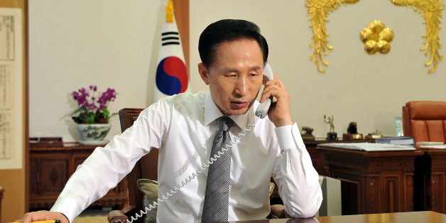 SEOUL, SOUTH KOREA - MAY 26:  South Korean President Lee Myung-Bak talks with US President Barack Obama on the phone at the presidential Blue House on May 26, 2009 in Seoul, South Korea. North Korea fired two short-range missiles from its east coast on Tuesday. North Korea has announced that it successfully conducted a second nuclear test, raising the stakes in the international effort to get the nation to give up its nuclear weapons program.  (Photo by Presidential House via Getty Images)