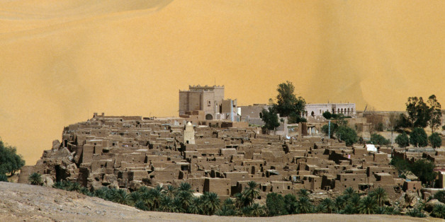 View of the ksar overlooking the Oasis of Taghit. Algeria, 11th century.