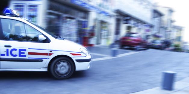 Un système explosif placé dans un immeuble parisien, cinq personnes interpellées