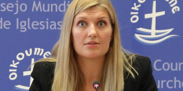 GENEVA, SWITZERLAND - OCTOBER 6: International Campaign to Abolish Nuclear Weapons (ICAN) executive director Beatrice Fihn (C) holds a press conference at the ICAN headquarters in Geneva, Switzerland, 06 October 2017. ICAN has won the 2017 Nobel Peace Prize.   (Photo by Fatih Erel/Anadolu Agency/Getty Images)