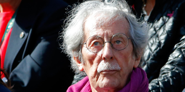 French actor Jean Rochefort attends the women's quarter-final match between Sara Errani of Italy and Andrea Petkovic of Germany at the French Open tennis tournament at the Roland Garros stadium in Paris June 4, 2014.             REUTERS/Jean-Paul Pelissier (FRANCE  - Tags: SPORT TENNIS ENTERTAINMENT HEADSHOT)