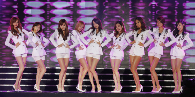 K-pop idol group Girls' Generation performs at the Hallyu (Korean Wave) Dream Festival in Gyeongju, southeast of Seoul October 3, 2011. REUTERS/Lee Jae-Won (SOUTH KOREA - Tags: ENTERTAINMENT)