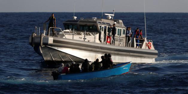 Douze migrants clandestins, dont quatre Marocains, secourus au large des côtes tunisiennes