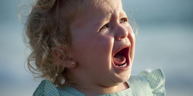 Alle Eltern wissen, wie nervenaufreibend Wutanfälle von Kindern in der Öffentlichkeit sind.