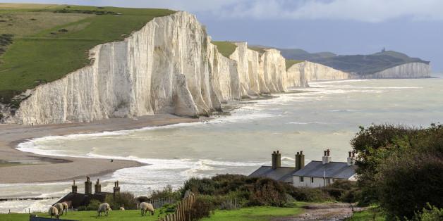 Die Austauschstudentin war an die Küste nahe Eastbourne in East Sussex gefahren. Die Klippen dort sind 60 Meter hoch.