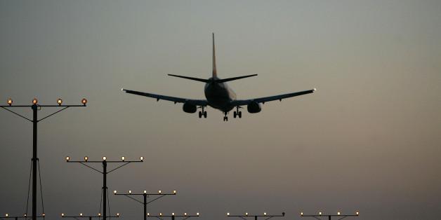 Nach einer Panne: Ein Flugzeug lässt 40 Tonnen Kerosin über der Pfalz ab.