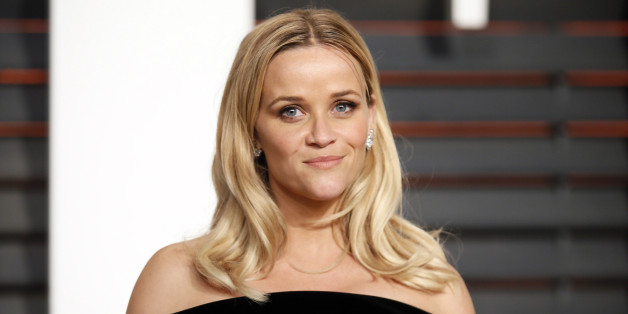 Actress Reese Witherspoon arrives at the 2015 Vanity Fair Oscar Party in Beverly Hills, California February 22, 2015. REUTERS/Danny Moloshok (UNITED STATES - Tags:ENTERTAINMENT) (VANITYFAIR-ARRIVALS)