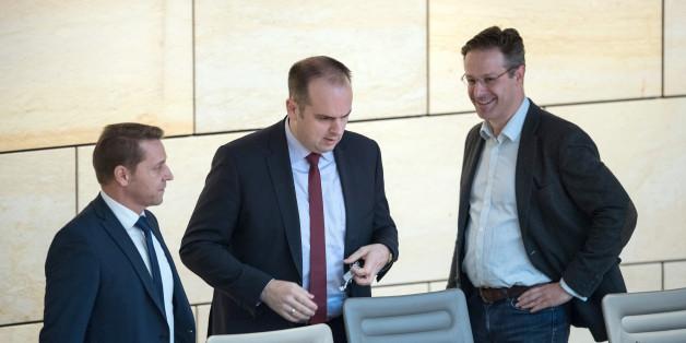 Frank Neppe, Alexander Langguth und Marcus Pretzell haben die AfD-Fraktion verlassen.