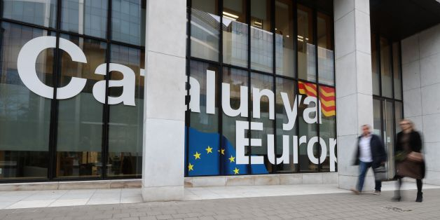 A picture taken on October 30, 2017 shows the headquarters of the Delegation of the Government of Catalonia to the European Union, in Brussels.  Catalonia's dismissed separatist leader was in Brussels today, a Spanish government source said, as prosecutors called for him to be charged with rebellion over his drive for Catalan independence. On October 29 Belgium's immigration minister suggested he could receive asylum in Belgium on the grounds that he might not get a fair trial in Spain. / AFP PH