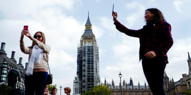 Zuckerbrüste und Sex-Kätzchen: Mitarbeiterinnen des britischen Parlaments berichten von sexueller Belästigung durch Abgeordnete